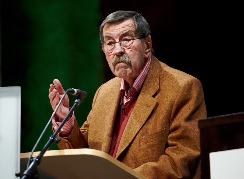 Günter Grass at a podium