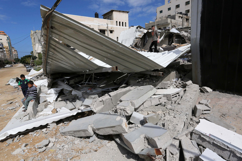 """Israel pounds Gaza after """"mistaken"""" missile launch"""