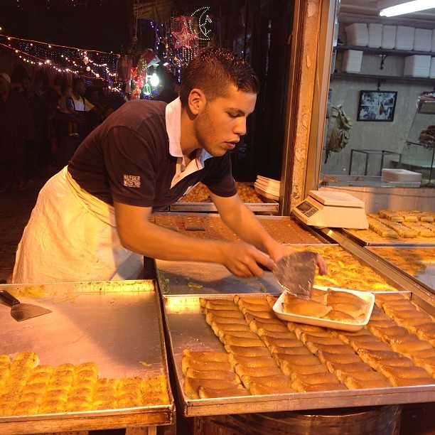 Serving qatayef after tarawee7 #aqsa #jerusalem #palestine on Instagram